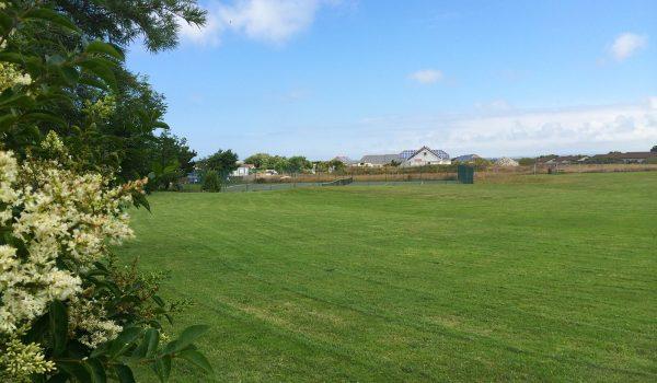 bay retreat field