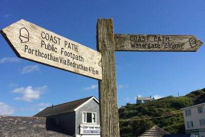 signpost at mawgan porth