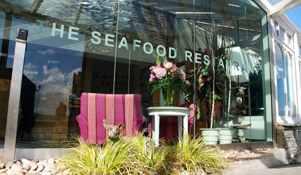 the seafood restaurant exterior