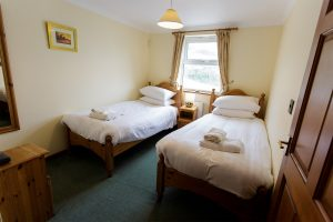 tregurrian twin bedroom