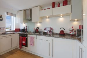 kitchen at 2 Porth sands