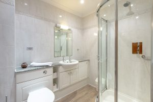 Penthouse family shower room